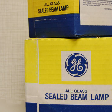 Cessna Sealed Beam Lamps